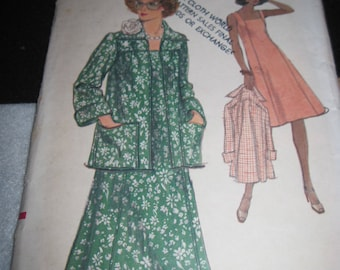 Vintage VOGUE Pattern #9151... sz,10....DRESS & JACKET..1970's..#63...