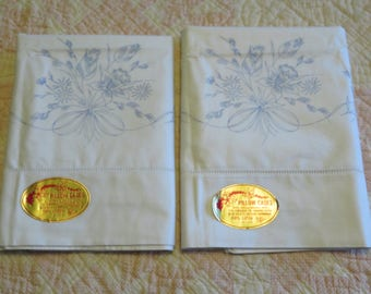 Vintage White Pillowcase Set Pair White Cotton Stamped Daffodil Bouquet Ready To Embroider