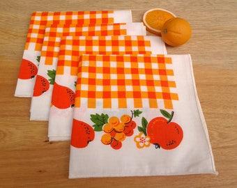 Vintage napkins - set of 4 - orange and white napkins - checkered napkins - fruit motif - summer napkins - orange kitchen - cloth napkins