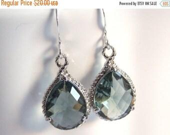 SALE Gray Earrings, Grey Earrings, Charcoal, Glass Earrings, Silver, Wedding Jewelry, Bridesmaid Earrings, Bridal Earrings, Bridesmaid Gifts