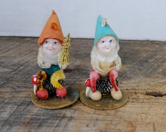 Vintage Gnome Elves Pine Cone Sitting Set Figures