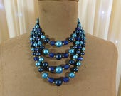 Vintage 50s multi blue beaded necklace.