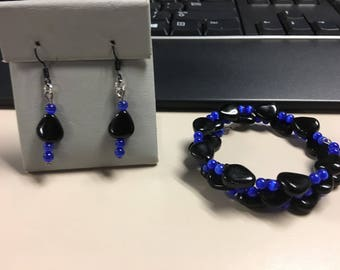 Black and blue beaded bracelet and earring set