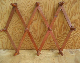 Vintage accordion peg rack, expandable rack, wooden peg rack