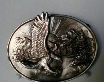 Belt buckle with eagle