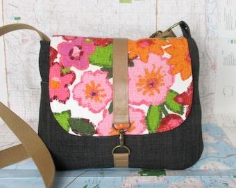 Peoria- Crossbody messenger bag - Crossover - Vintage floral print - Adjustable strap - Vegan purse - Travel bag - Pink- Grey- Ready to ship
