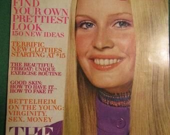 August 1, 1970 VOGUE MAGAZINE