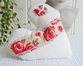 Bedpost and door hanger decoration heart, handmade in Sweden, red roses and lace