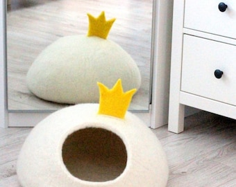 White cat bed with princess crown wool cat cave cat house handmade cat bed original gift for pets small dog bed stylish home decor modern
