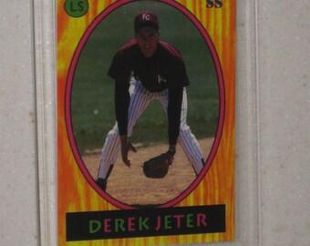 new just in 1992 Little Sun Derek Jeter Rookie card in a screwdown case