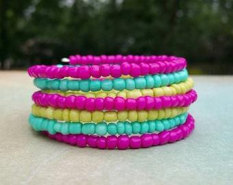 Memory Wire Seed Bead Bracelet, Colorful Beaded Bracelet, Stretch Bracelet, Beaded Bracelet, Cuff Bracelet, Boho Bracelet, Bohemian Style