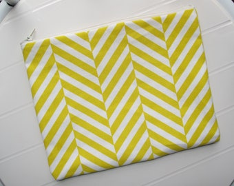 Yellow and white Pouch Makeup Organizer