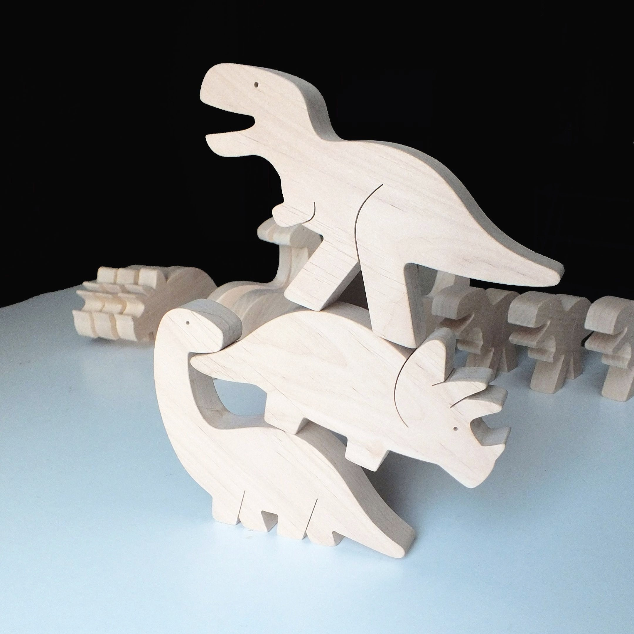 Handmade natural wooden toy Dinosaur toy Educational toys