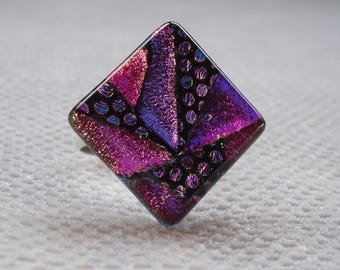 Mosaic ring  purple / pink in sterling silver and dichroic glass