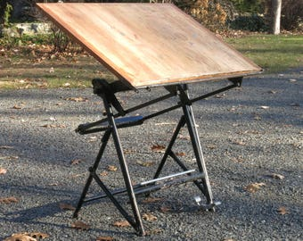 french minimalist drafting table