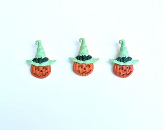 Set of 3 pumpkins with green hats shank buttons
