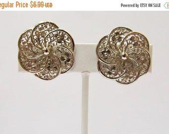 ON SALE Vintage Floral Filagree Earrings Item K # 1539