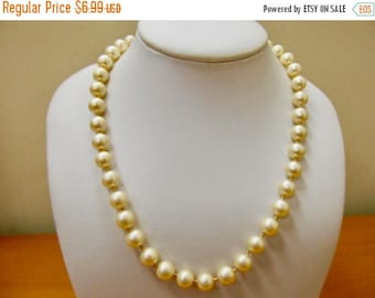 ON SALE Vintage Faux Pearl Necklace Item K # 904