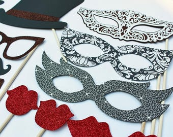Vintage Photo Booth Props - These Photobooth Props feature beautiful warm brown and creamy tones, no detail left undone