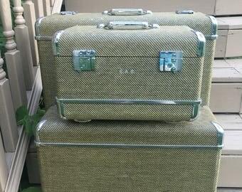 Impressive Hardshell Vintage Luggage Set by Wheary Brown Tweed, Chrome and Lucite has Keys Three Puece Vintage Luggage Set