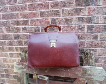 Vintage 70s Classic leather brown briefcase