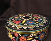 Vintage Tin Made in England Colorful Round Flowers Beautiful