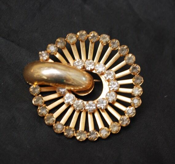 Rhinestone Brooch Round gold tone - Mid century - Atomic Modern pin