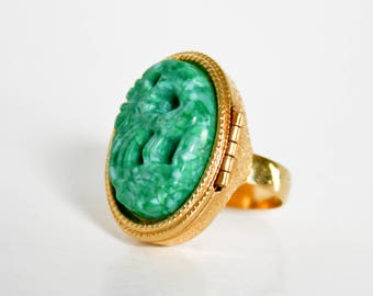 Vintage Avon Carved Faux Jade Perfume Ring Bird Of Paradise Adjustable Ring One Size Jade And Gold Poison Ring Retro Large Statement Jewelry