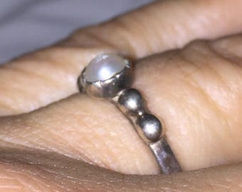 Cultured Pearl Ring Vintage Pearl Sterling Silver Alternative Wedding Ring Alternative Engagement Ring Promise Ring Friendship Ring Sz 7