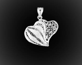 Pendant hearts entwined with silver embroidery
