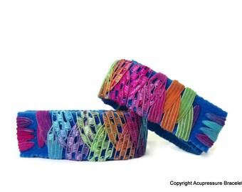 Acupressure Anti Nausea Bracelets for travel, morning sickness, vertigo, stomach issues. Adjustable and comfortable. Blue Fiesta