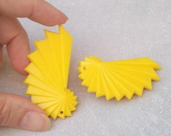 SUMMER SALE Large Yellow Clip On Earrings, Vintage Italian Plastic Earrings
