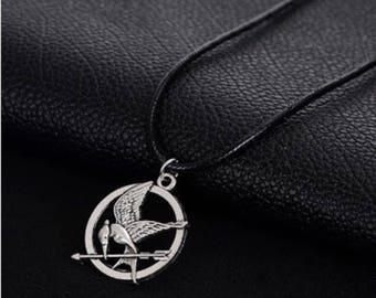 Antique Silver Bronze Mocking Jay Symbol, Circle Bird Arrow Pendant, Birthday Gift, Hunger Game Funs, Antique Brass  Mockingjay Necklace
