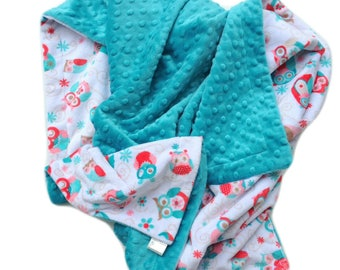 Minky Baby Blanket, Owl Baby Blanket- Coral and Teal Baby Blanket - Baby Girl Bedding. Car Seat Blanket. Stroller Blanket  Size  29 x 36in