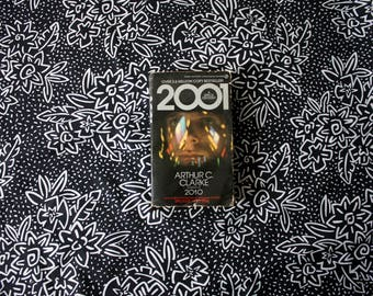 2001 Space Odyssey Vintage Paperback Book. By Arthur C. Clarke with Photos from the film by Stanley Kubrick