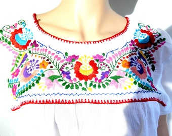 Peasant blouse mexican gypsy hippie top fiesta mexicana ethnic tops embroidery  70s  peasant top typical  top cloth peasant embroidered