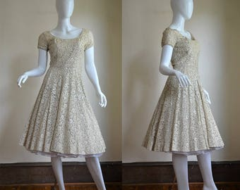1950s Gorgeous High End Cream Lace Dress with Sequins and Boning Full Skirt