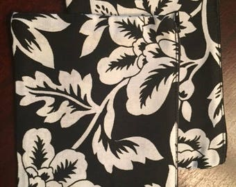 Black and White Floral Zippered Cosmetic Bag