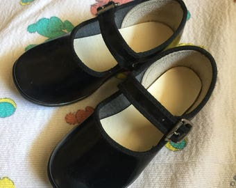 Vintage Toddler Girl Black Mary Janes Sz 5
