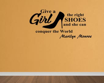 Wall Decal She Can Conquer The World Marilyn Monroe Wall Sticker Decor Lettering Words Vinyl Quote Sticker Home Decor (DP392)