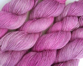 100g 380yds Hydrangea Teeswater tonals (rare breed British wool). Pure Teeswater lambswool woollen spun + hand dyed in Yorkshire High lustre