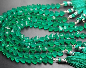 8 Inches Strand,Finest Quality,GREEN ONYX Faceted Trillion Shape Briolettes 7-8mm