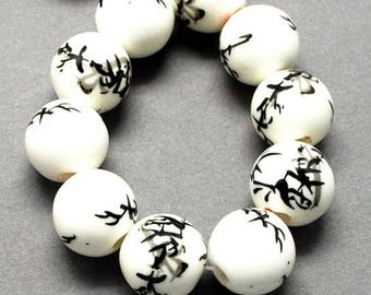 set of 10 porcelain beads, round, black bamboo and seal, 11-12mm