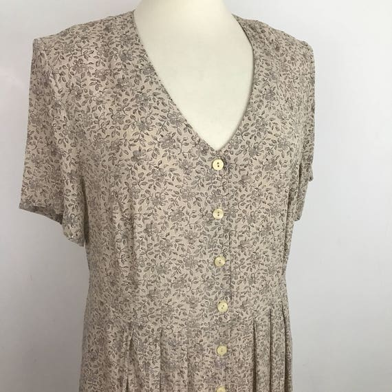 Vintage dress ditsy print 90s does 40s look Marks Spencer 1940s Style viscose crinkle Tea Dress beige cream flowery UK 18 20 volup plus size