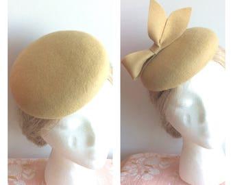 100% Wool Fascinator Hat - Tan light brown Camel simple hat, pillbox hat, round wool fascinator, bow hat, bow fascinator