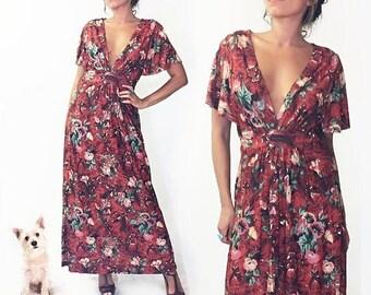 20% OFF FLASH SALE Vintage 1970's Floral Cinnamon Girl Maxi Caftan Summer Dress    Plunging Neckline    Size Small Medium