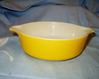 Pyrex Daisy Sunflower Yellow ( Bright Yellow ) 1 Pint Vintage Round Casserole Ovenware Baking Dish # 471 No Lid