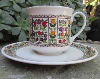 Royal Doulton Fireglow Cups and saucers set of 4