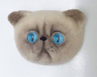 Magnet bluepoint N16 cat needle felted fridge magnet