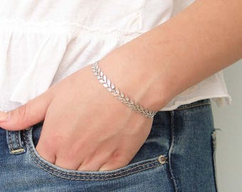 Laurel Bracelet ~ Silver Leaf Chain ~ Leaf Bracelet ~ Laurier ~ Chevron ~ Fishbone ~ Gift for Her ~ Simple Modern Jewelry